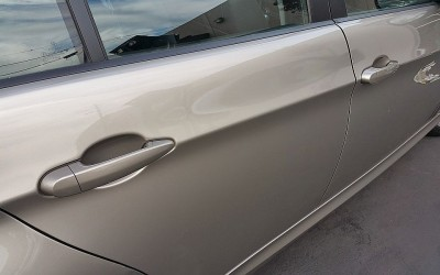 Car touch up - BMW 328i Gold -Door Chipping - After touch up