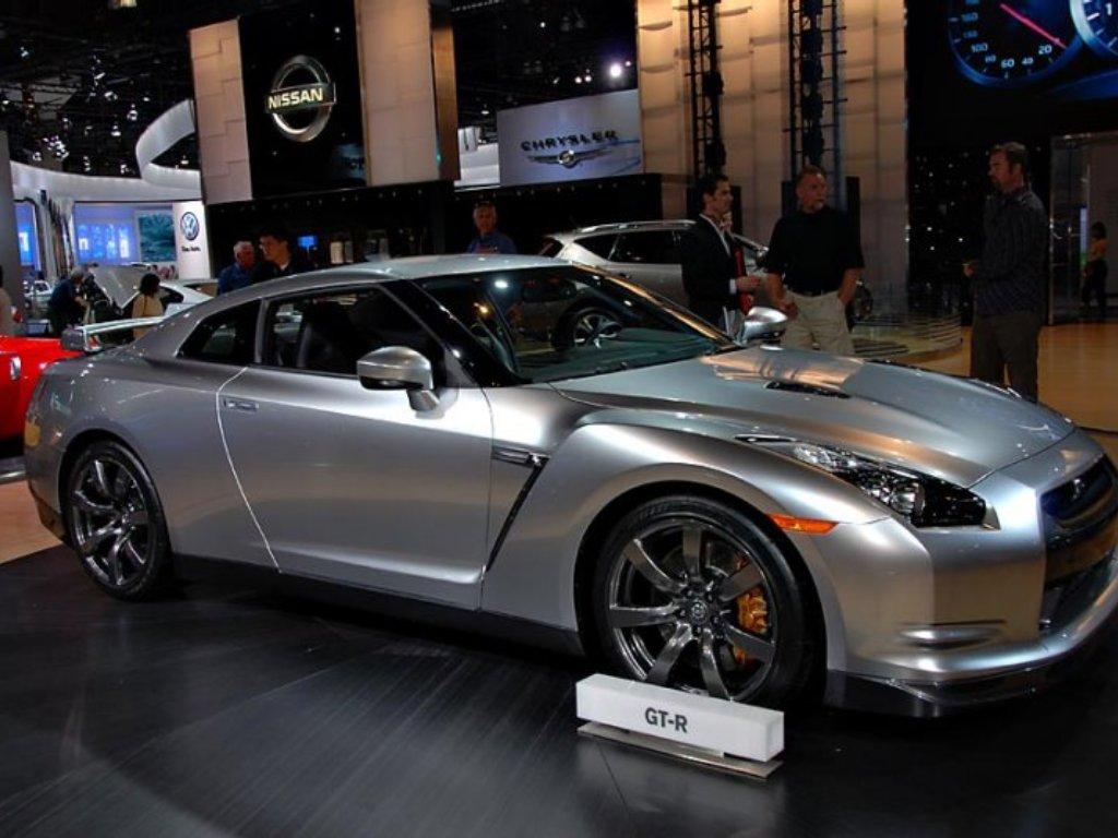 Super Silver Nissan GTR